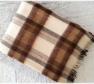 Foto Deka vlnená tkaná so strapcami / jednovrst. hnedo - prírodná biela
